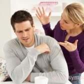 Як вести себе, якщо чоловік говорить не те, що робить?