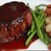 Рецепти з м`яса (яловичини): стейк, гуляш з підливою, котлети, яловичина на пару
