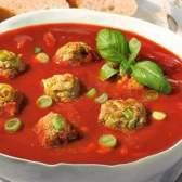 Томатний суп з фрикадельками в пароварці