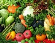 Як приготувати овочі, тушковані з беконом