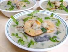 """""""Крем суп з омарами, креветками і мідіями"""" - рецепт"""