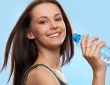 Скільки пити води, щоб схуднути